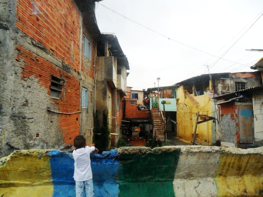 Córrego Tabatinguera e Favela Beira-Mar.