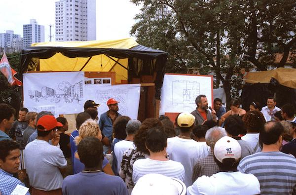 Discussão do Projeto do Mutirão Paulo Freire junto aos futuros moradores. Foto USINA