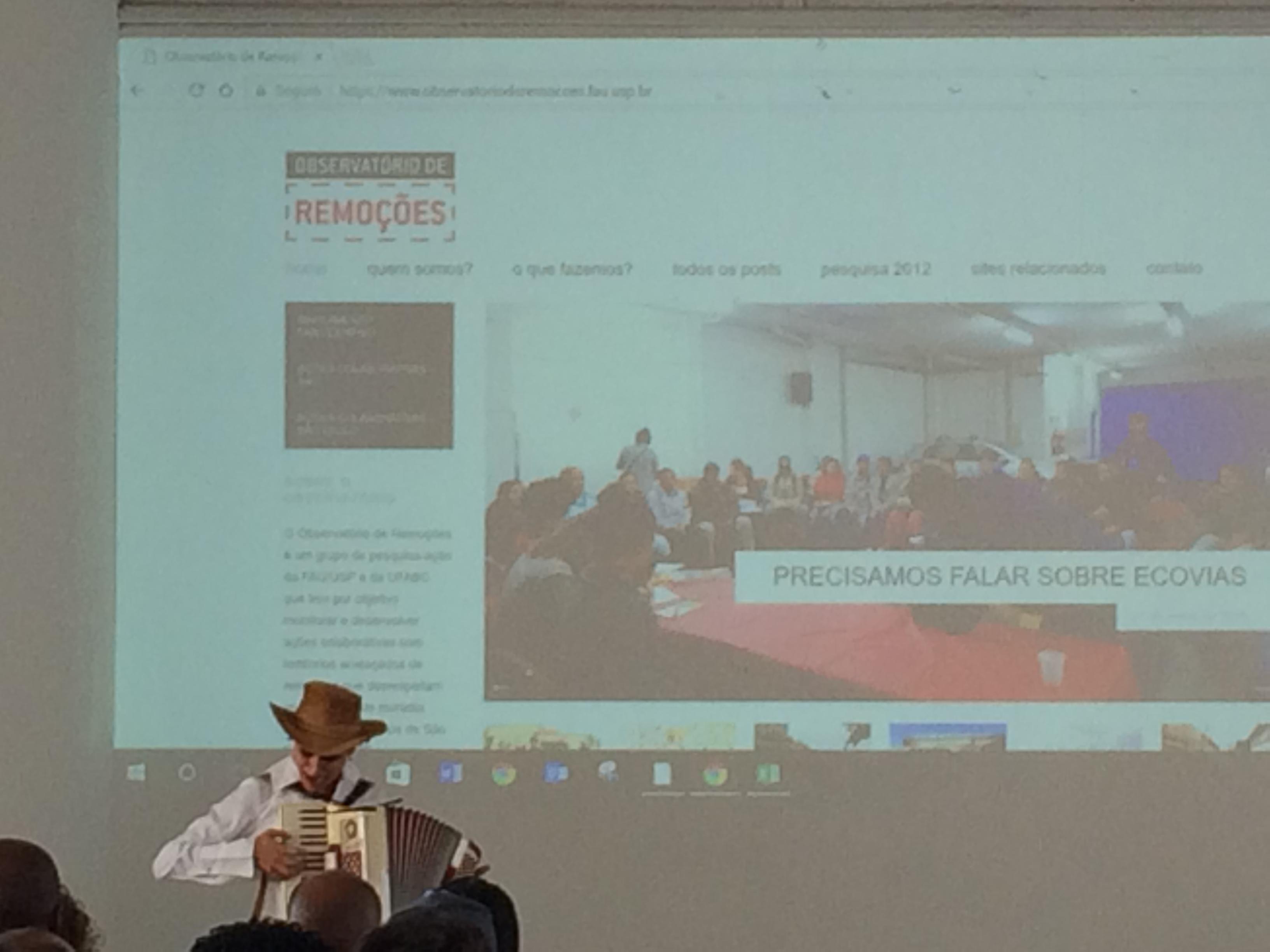 Abertura da apresentação @Beatriz Nobumoto