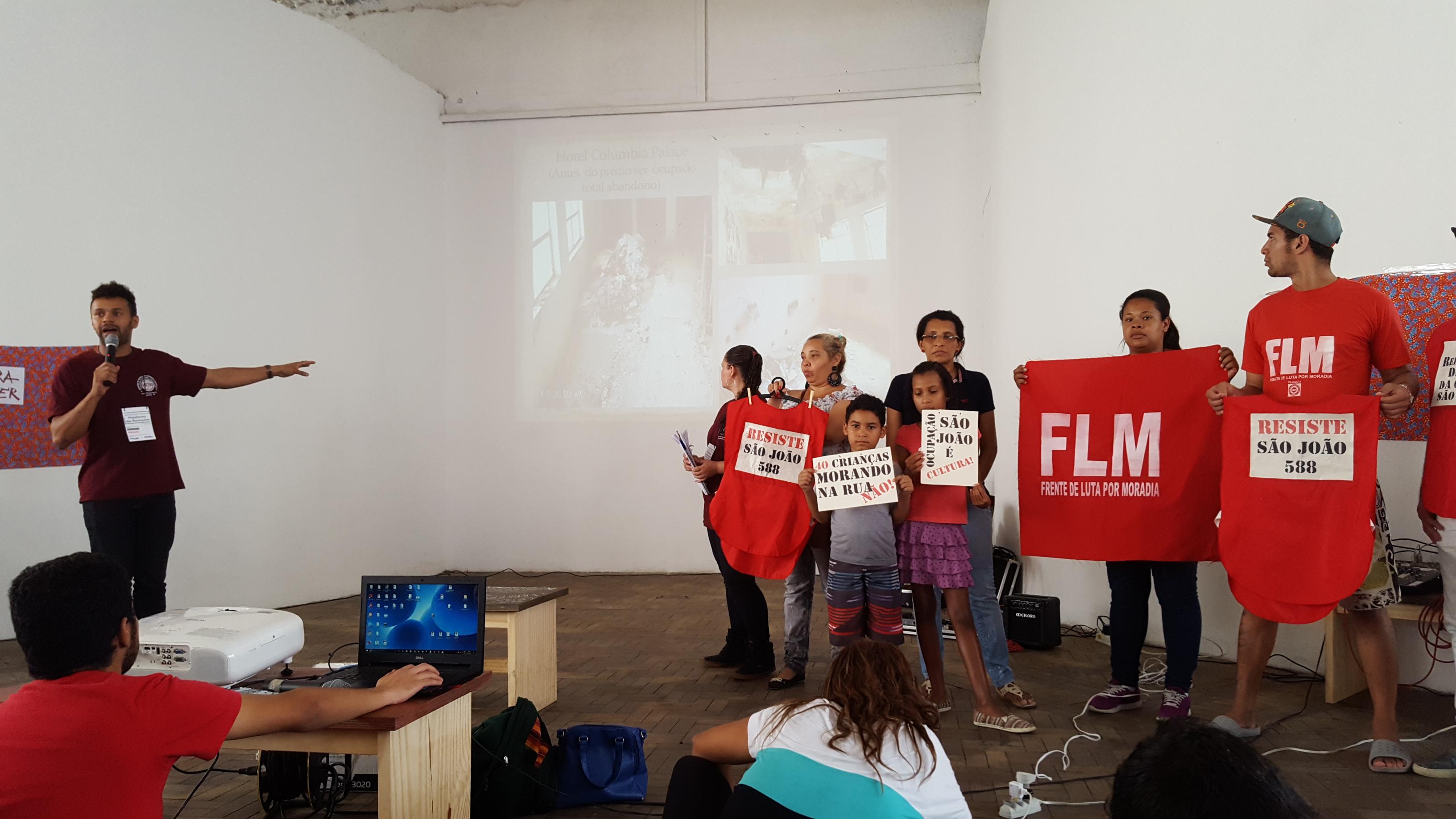 Fala de morador e apresentação de grupo representando comunidades ameaçadas por remoção @Beatriz Nobumoto